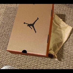 Air Jordan 12 Retro (University Gold)